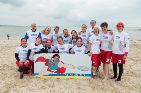 Команда France Women Master Beach натурнире Yes But Nau 2013 (Open, 20/20)