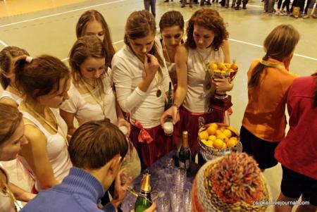 Команда Космик Гелз натурнире Рождественский турнир 2011 (ЖД, 1/8)