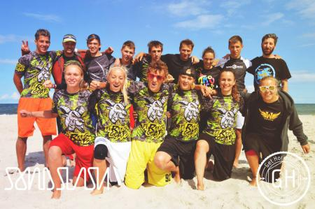 Команда Furious Goats натурнире SandSlash 2014 (Микс дивизион, 9/24)