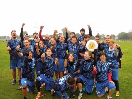 Команда Ultimate CUS Brescia натурнире EUCF 2014 (Микс дивизион, 6/12)