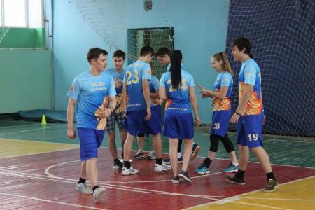 Команда Сборная ВлГУ натурнире Кубок Владимира  2015 (Микс дивизион, 4/8)