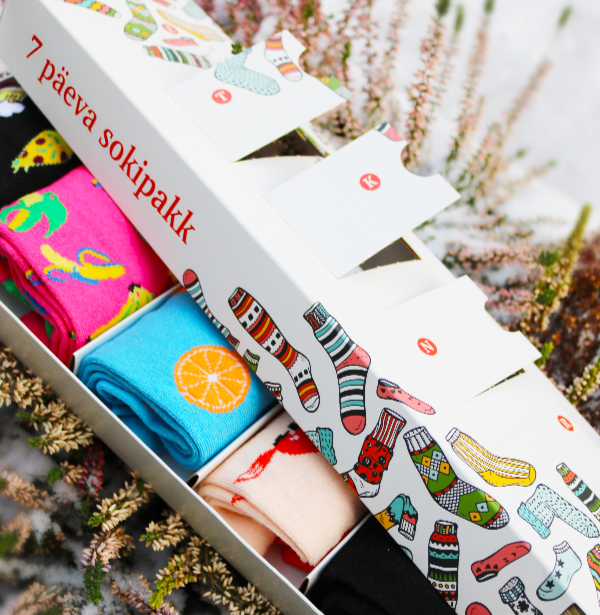 WISH GIFT BOX containing 7 pairs of socks for each week day