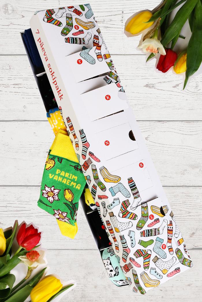 PARIM VANAEMA emadepäeva üllatuspakk 7 sokipaariga igaks nädalapäevaks