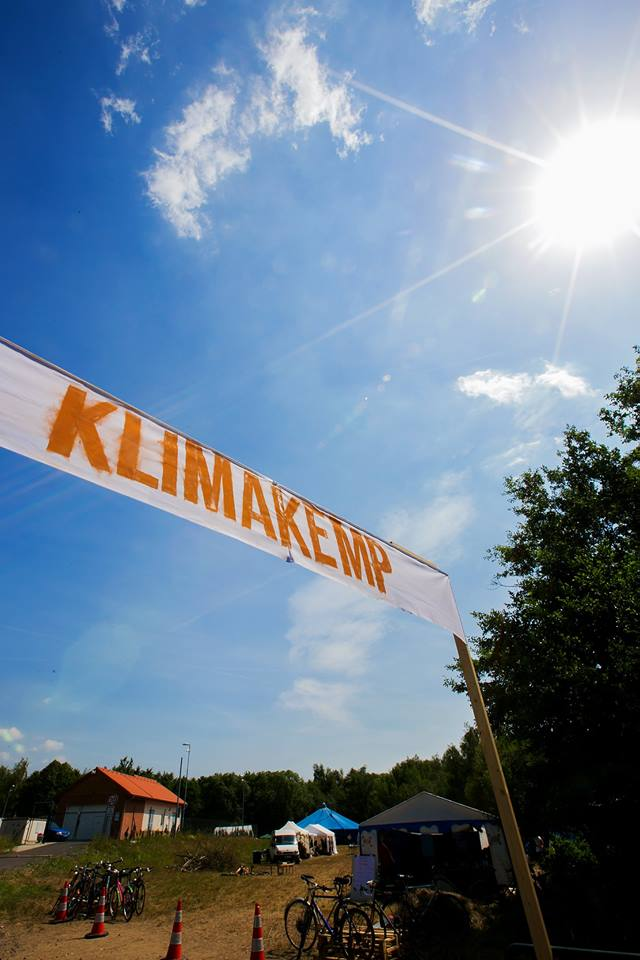 End the age of fossil fuels - support the Climate Camp in Czech