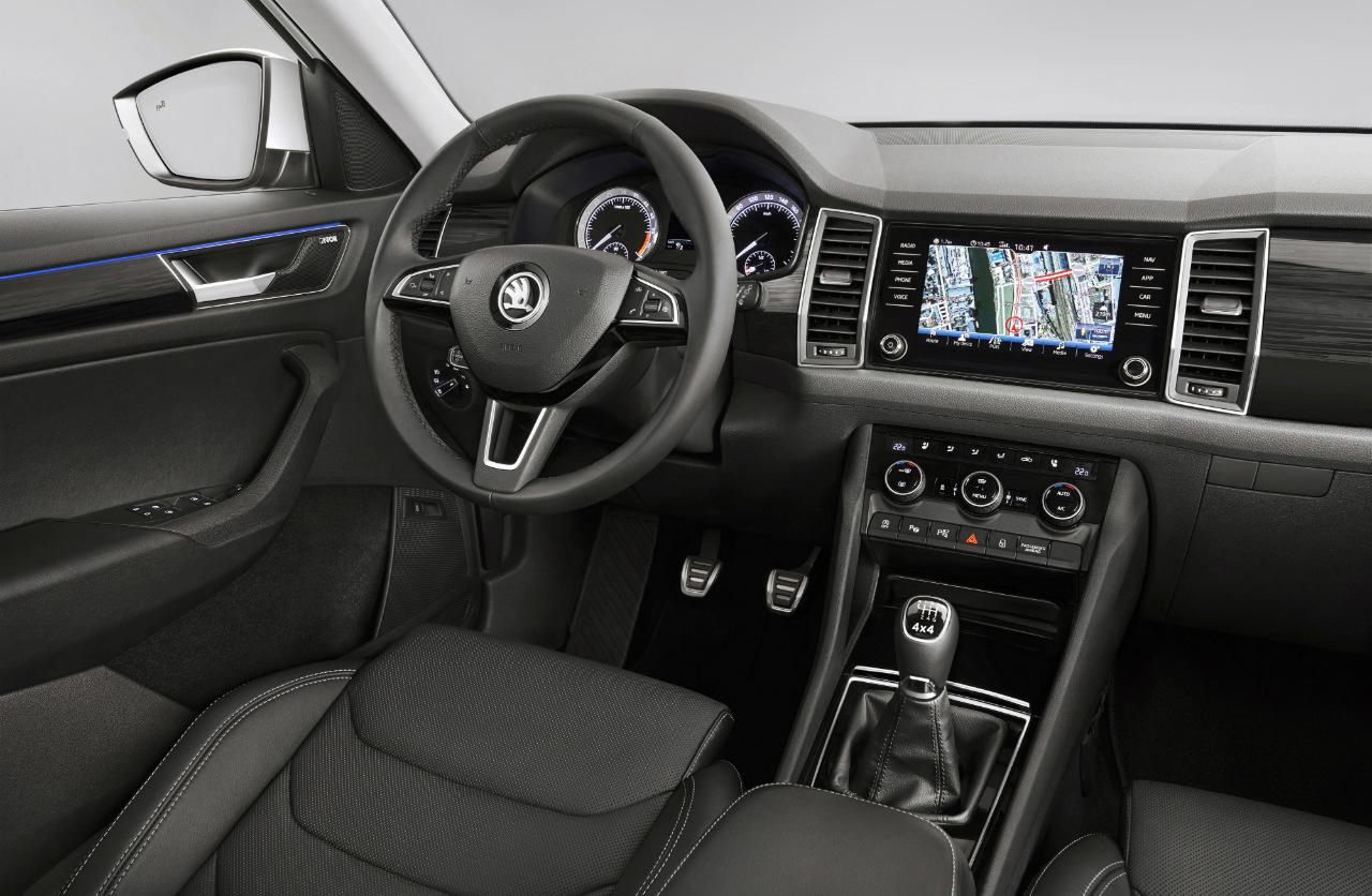 Kodiaq je jen o čtyři centimetry delší než Škoda Octavia, v rámci segmentu SUV však nabízí nadprůměrně velký interiér.