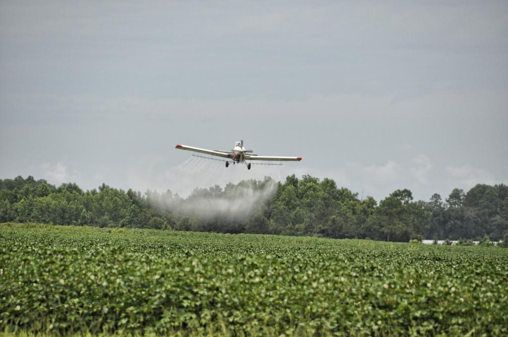 plane pesticides2 (1)