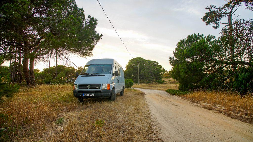 Wildcamping poblíž přírodního parku Lagoas de Santo André e Sancha