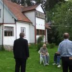 Luboš Jednorožec přijel na návštěvu Hrusic, kde zakopal své motáky z vězení