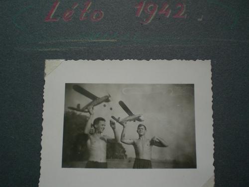 Léto 1942