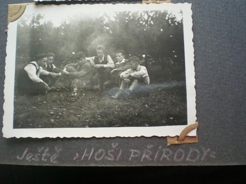 "Klub Mladého hlasatele 1942 ""Hoši přírody"""