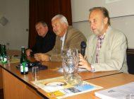 Ing. Hrbek a Ing. Cikrt - Zahajují konferenci