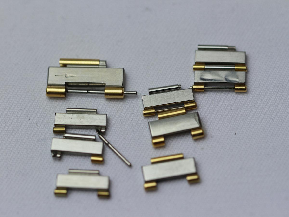 Omega Links Steel/Gold