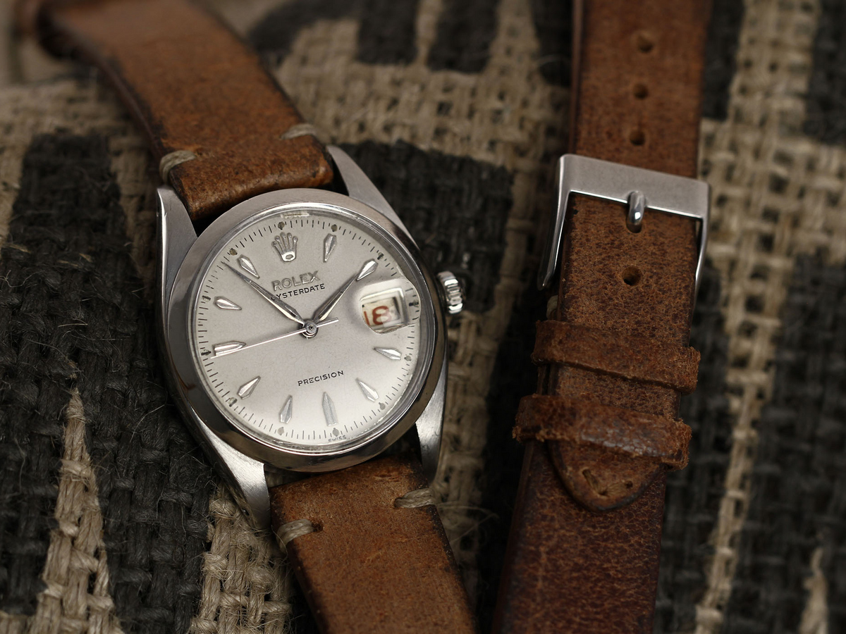 Vintage leather watchstrap