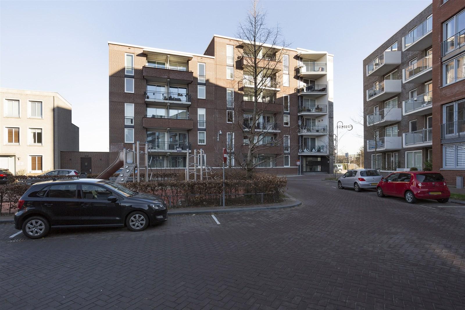 Zilverstein 129, Oegstgeest