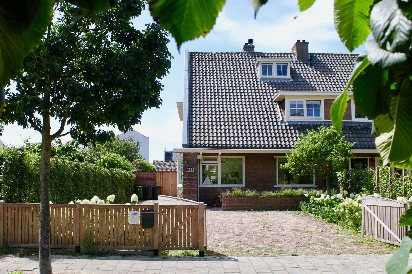 Wilhelminaweg 20, Zandvoort