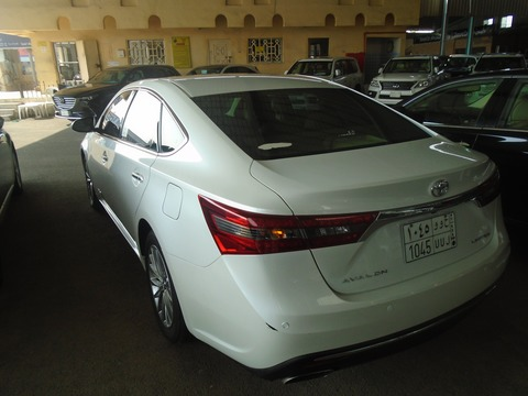 used toyota avalon white 2016 for sale in jeddah for. Black Bedroom Furniture Sets. Home Design Ideas