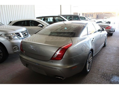 used jaguar xj 2010 for sale in riyadh for highest bid motory saudi arabia. Black Bedroom Furniture Sets. Home Design Ideas