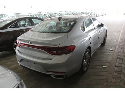 Hyundai Azera 2018 >> New Hyundai Azera Silver 2018 For Sale In Riyadh For 95 500 Sr Motory Saudi Arabia