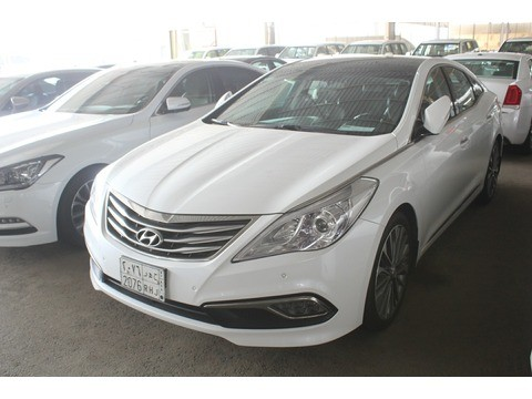 Hyundai Azera 2016 >> Used Hyundai Azera White 2016 For Sale In Jeddah For 70 000 Sr Motory Saudi Arabia