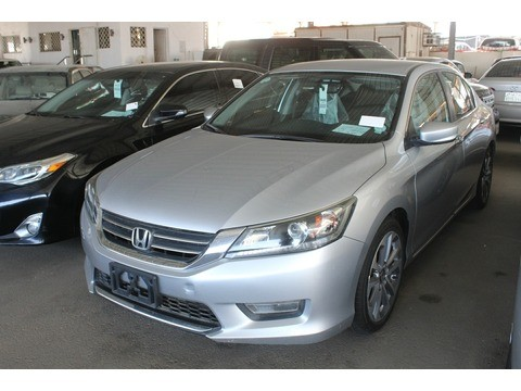Honda Accord 2013 For Sale >> Used Honda Accord Silver 2013 For Sale In Jeddah For 50 000 Sr Motory Saudi Arabia