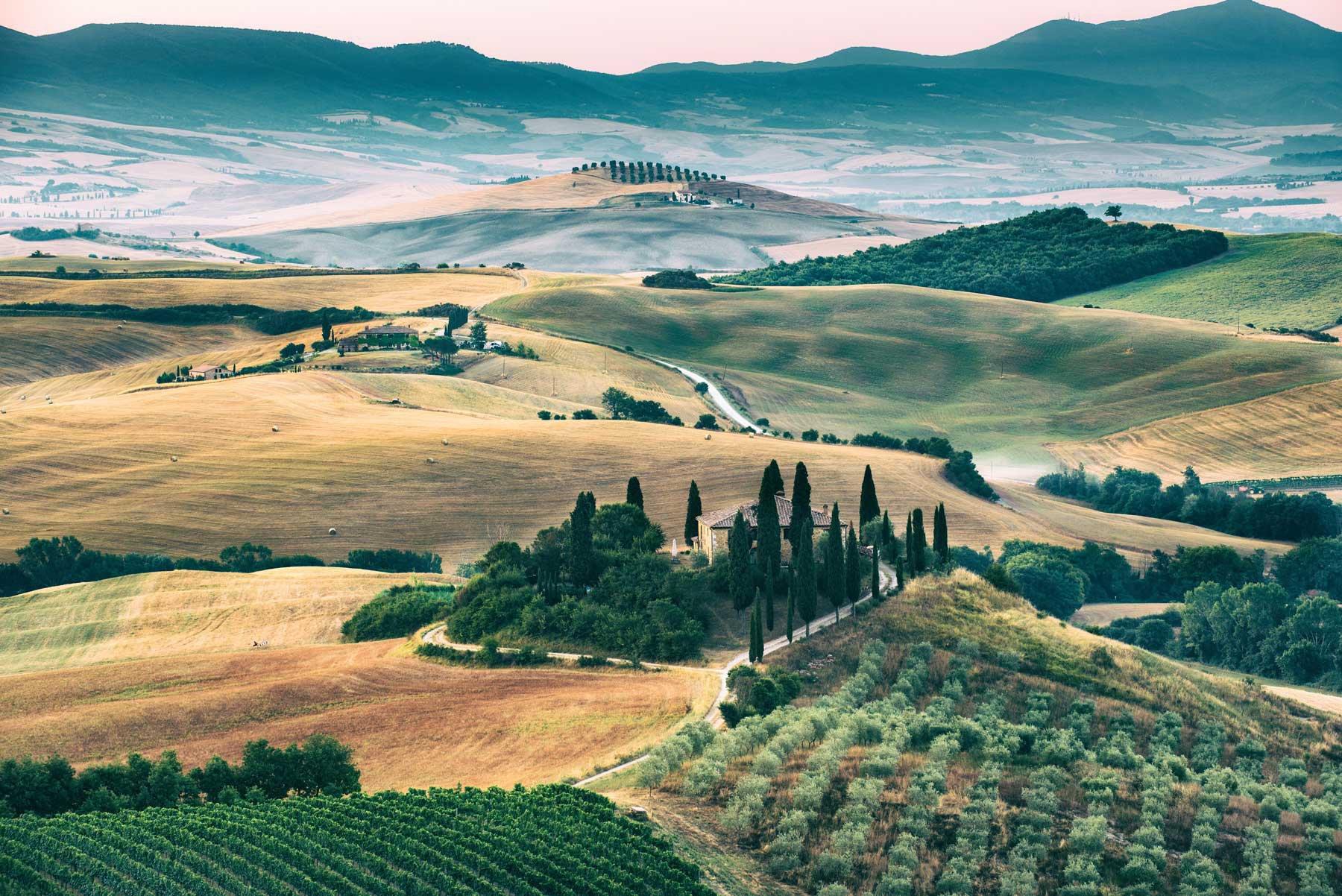 italian_landscape_green_hills_umbria