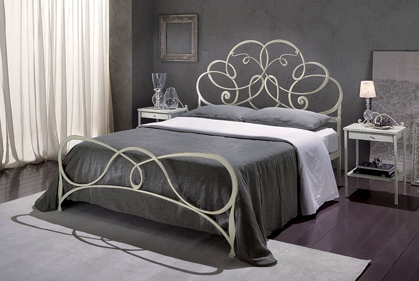 veracchi_mobili_italian_furniture_design_artisan_wrought_iron_bedroom_set_bed_cantori