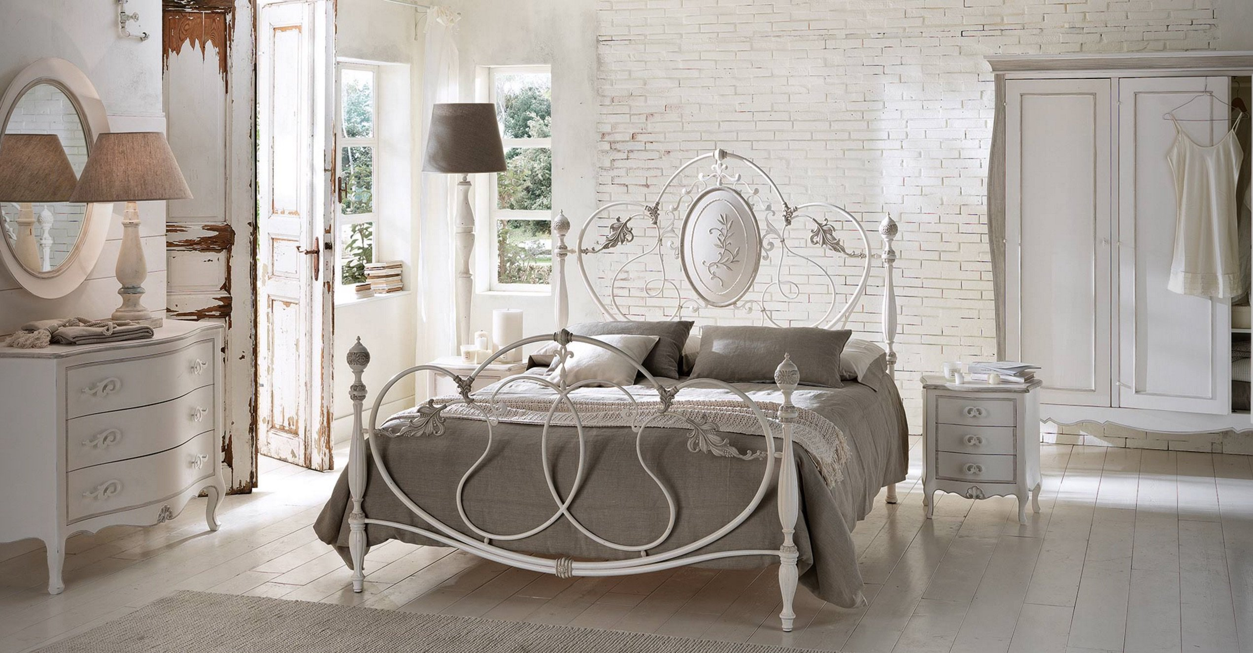 veracchi_mobili_italian_furniture_wrought_iron_bed_bedroom_set_classic_cantori
