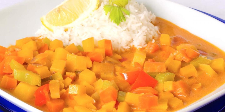 koolraap uit de wok, met prei en paprika - verse oogst