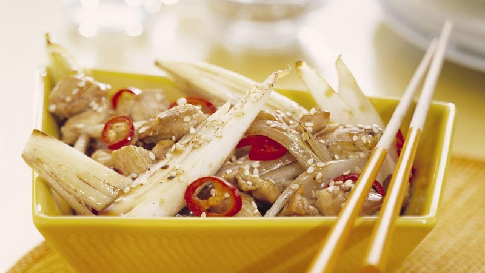 Pittige witlof en kip met rijst