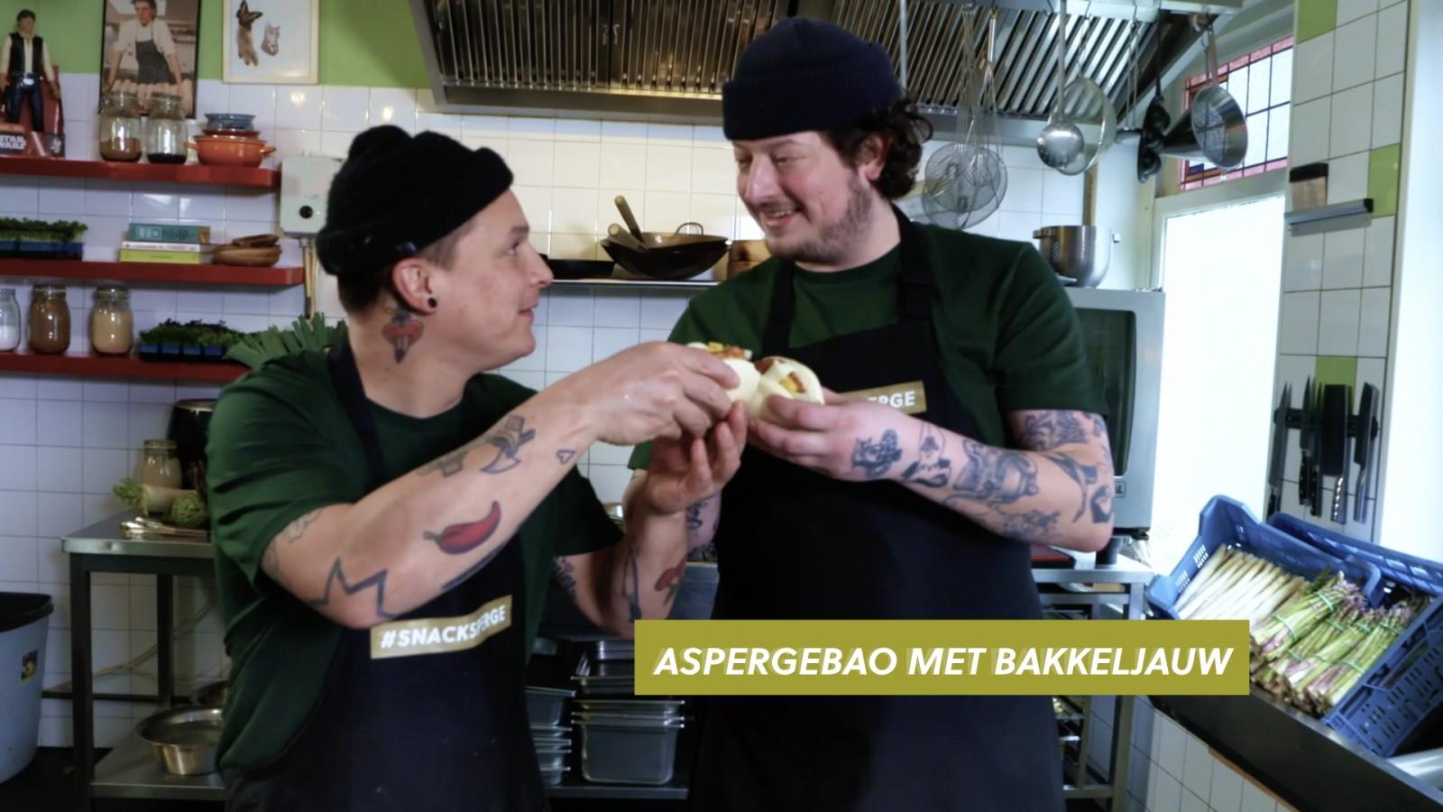 Job & Perry maken apergebao's met bakkeljauw