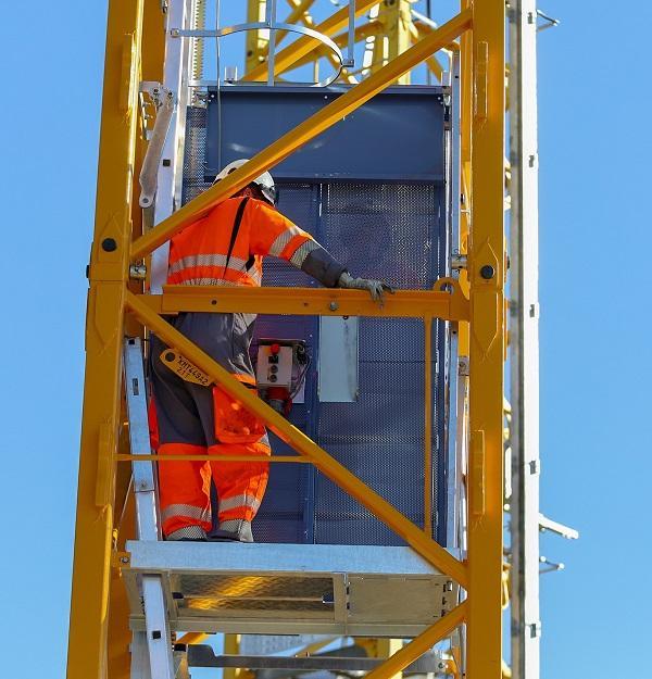 Geda & Potain unveil internal hoist | Vertikal net