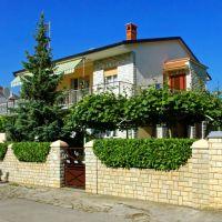 Apartments Pula 7493, Pula - Exterior