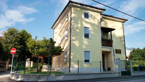 Pokoje a apartmány Tolmin 8890, Tolmin - Exteriér