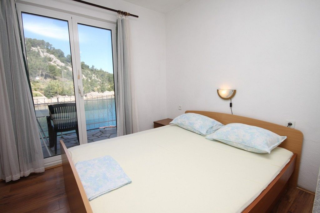 Apartments and rooms Uvala Mala Pogorila 9204, Uvala Mala Pogorila ...