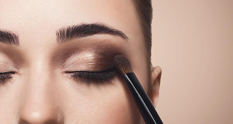Ten Rengine Uygun Gelin Göz Makyajı İçin Tüyolar