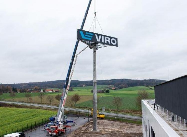 Featured image of Reclamepyloon voor hoofdkantoor VIRO Duitsland - 20201214 pylon gmbh Dissen - VIRO NL