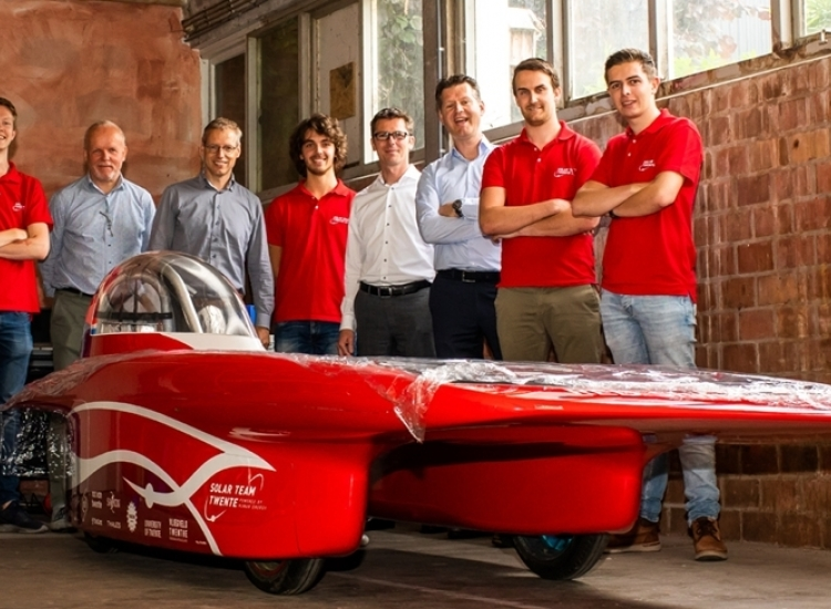 Featured image of VIRO stapt in als big sponsor van Solar team Twente - Sola Solar Team Twente 1 2 - VIRO NL
