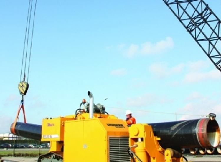First image of project: Industriele en utiliteitsbouw machinebouw FEM analyse Offshore pijpenbuiger 01 - VIRO EN