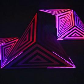 Visuales Nidra - VJ stgo Mapping sobre triángulos