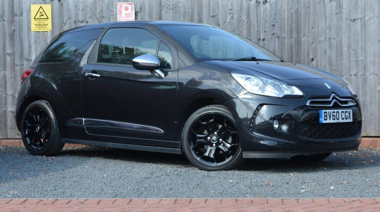 Ds DS3 DS 3 1.6HDi Black 3dr * WHITE ROOF STRIPES / CHROME MIR