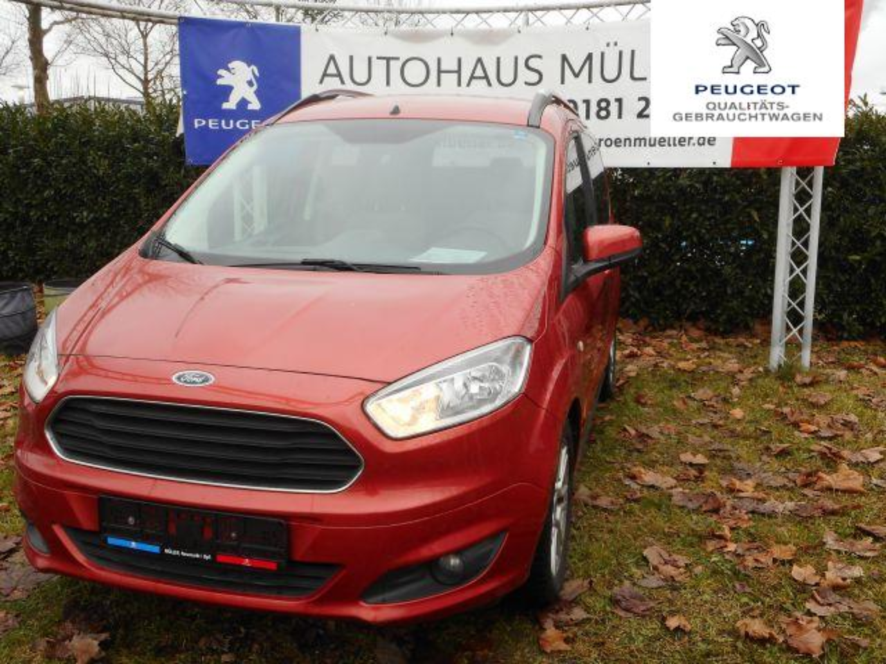 Ford Tourneo Courier 1.0 EcoBoost S&S Trend