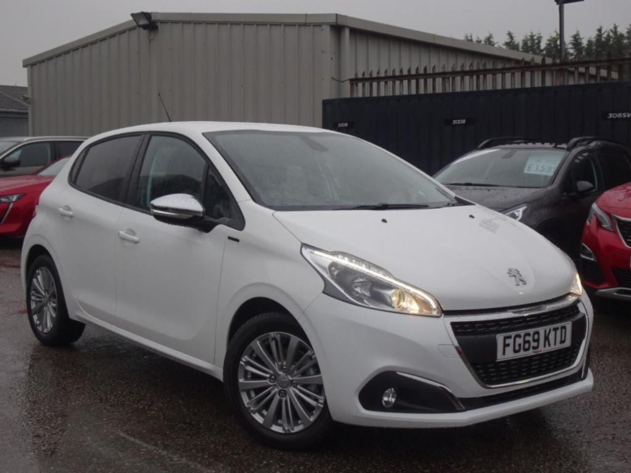 Peugeot 208 1.2 PURETECH 82PS SIGNATURE5DR START STOP