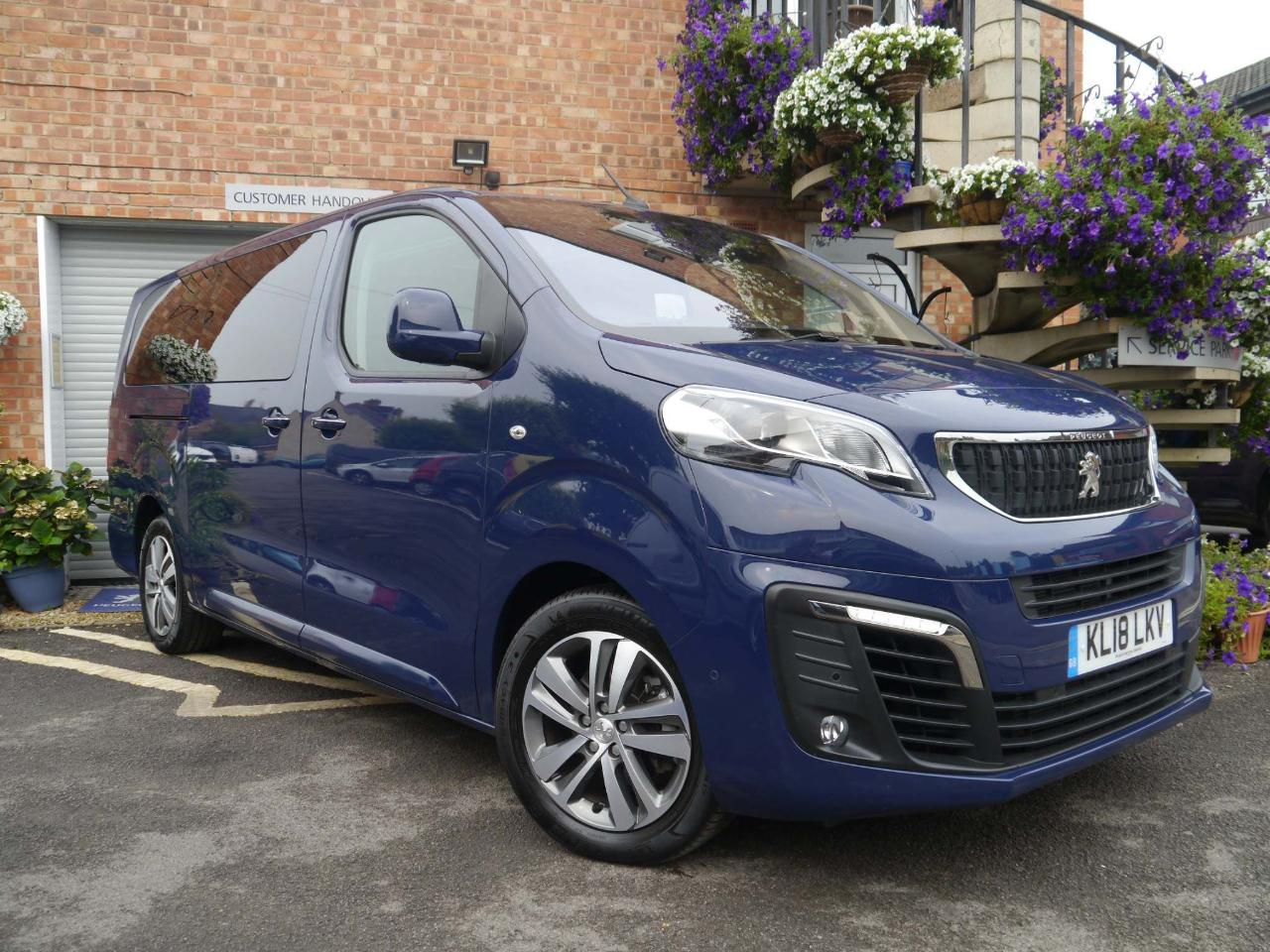 Peugeot Traveller 2.0 BlueHDi Business VIP Long MPV (s/s) 5dr (6 Sea