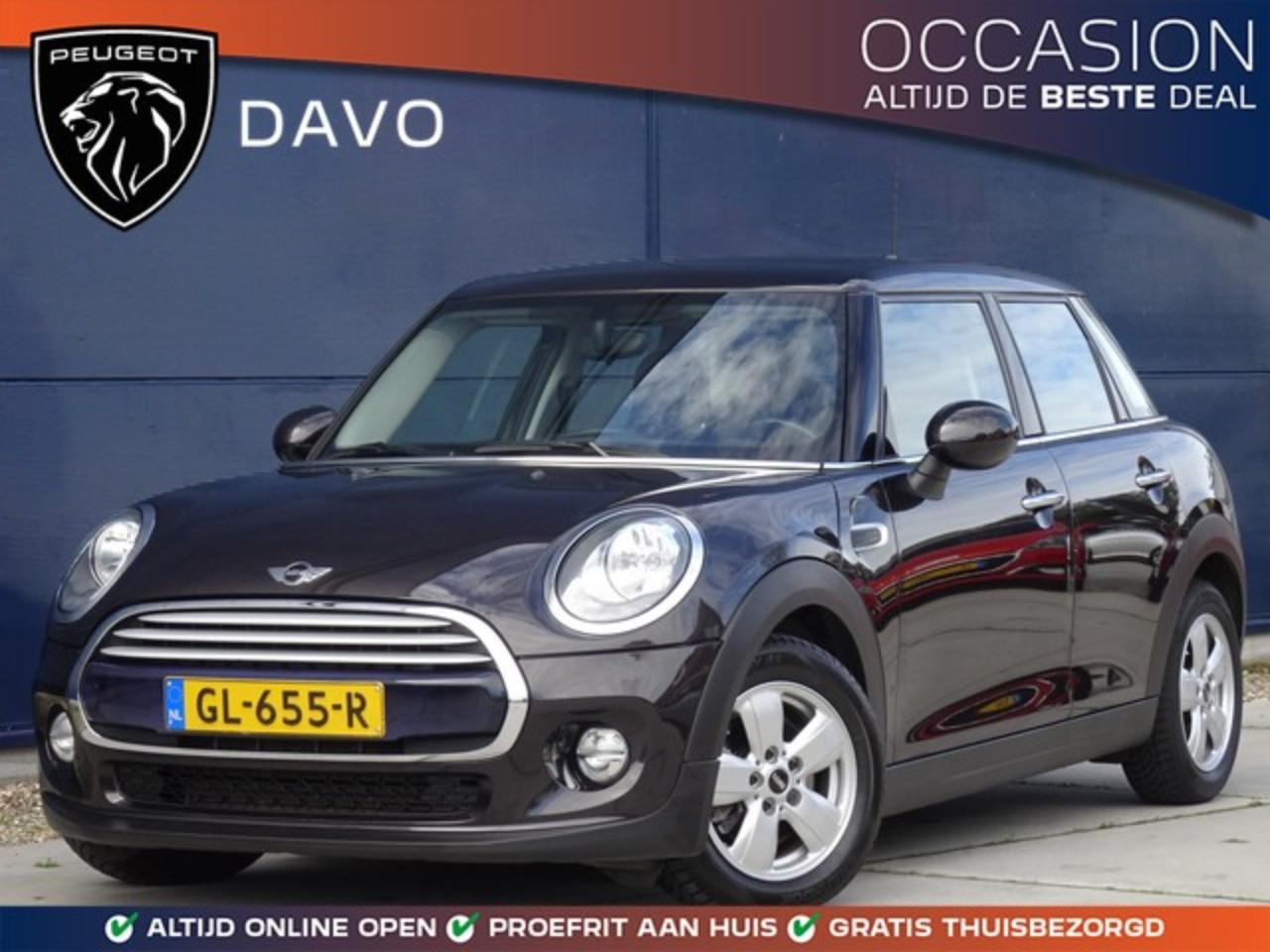 Mini Cooper 1.5 Business met Airco I Navigatie