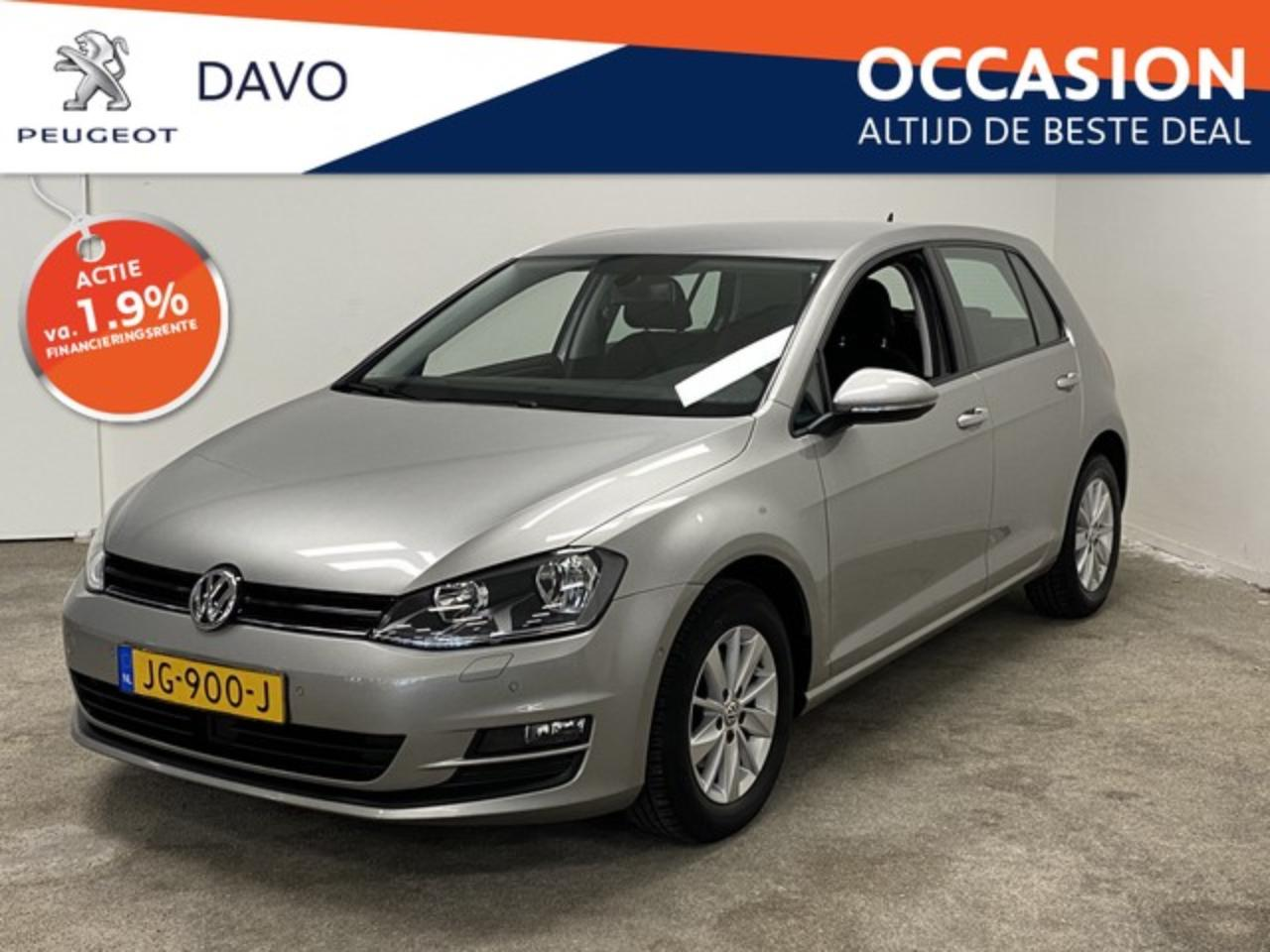 Volkswagen Golf 1.2 TSI Business * Navigatie, Stoelverwarming, par