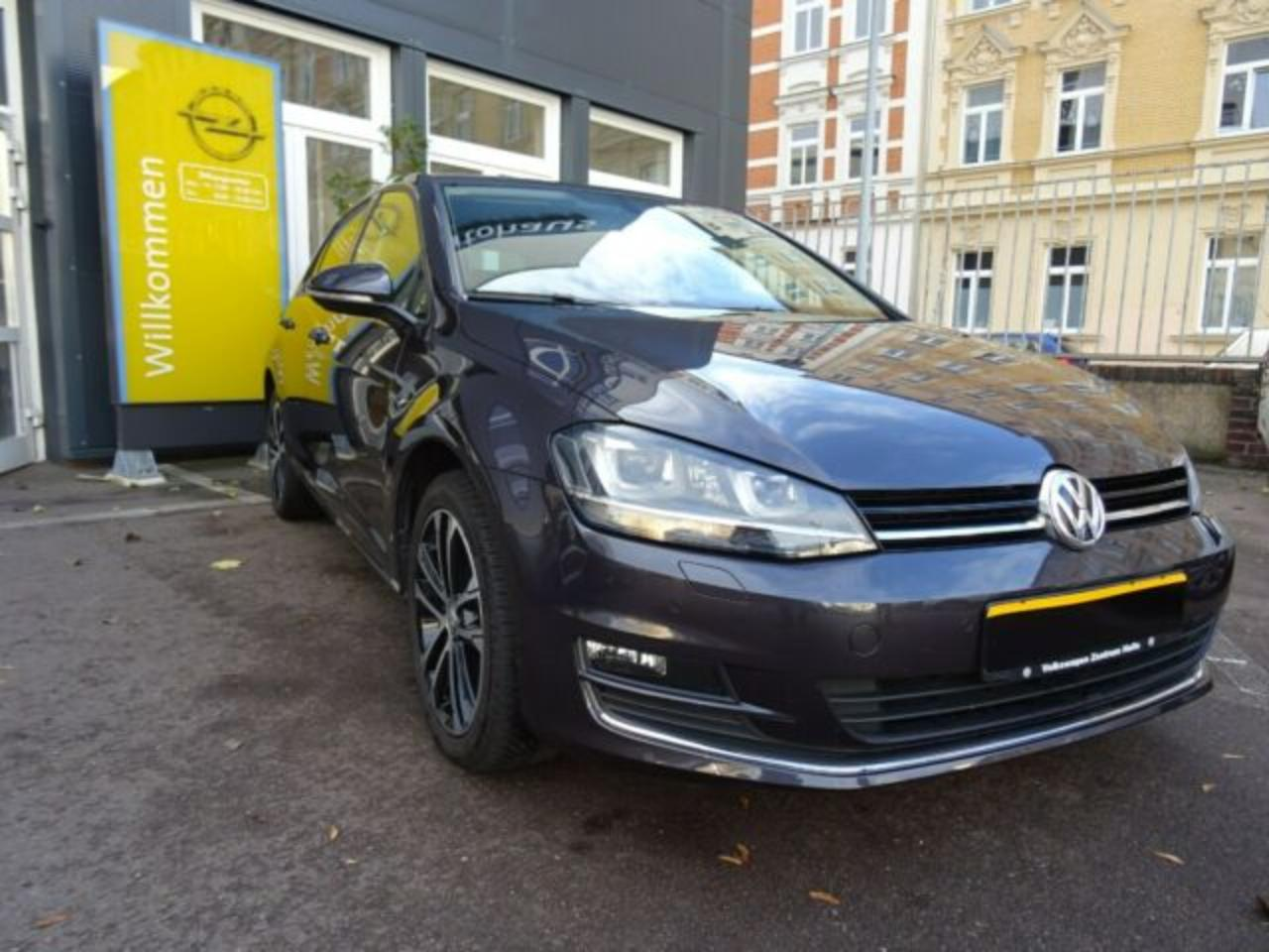 Volkswagen Golf VII 5tg. Lounge*Xenon*PDC*17