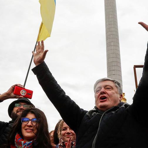 Пятилетняя мечта украинцев сбылась: Порошенко был послан обычным таксистом