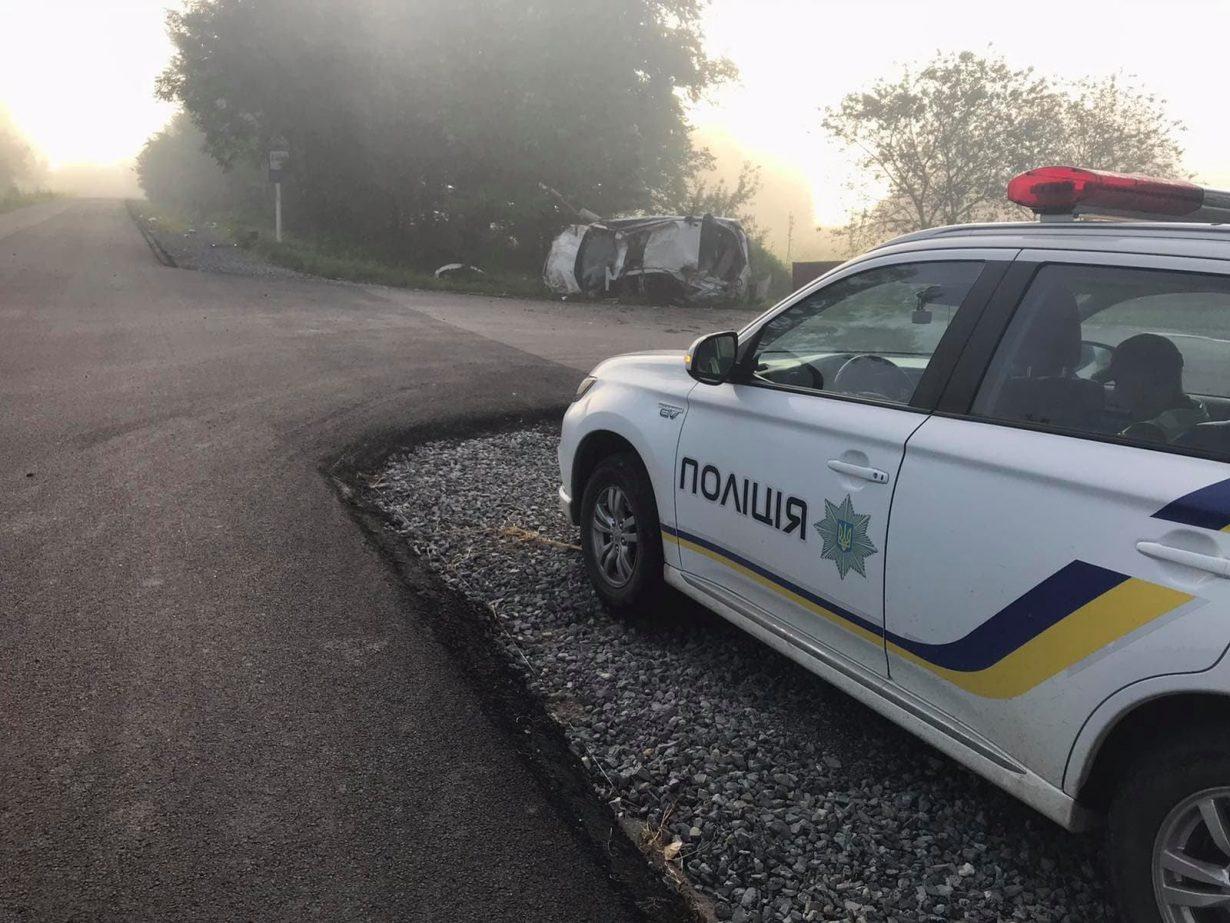 15-річний водій на Lexus потрапив у ДТП на Калущині  (ФОТО)
