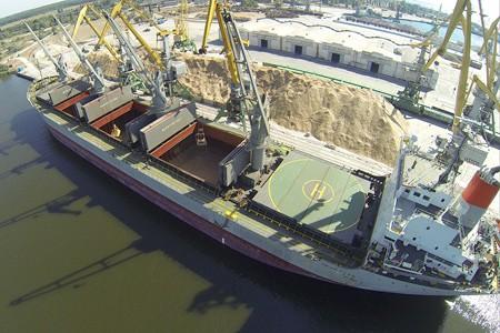 Два крупных порта Украины отдадут в частные руки: объявлен конкурс