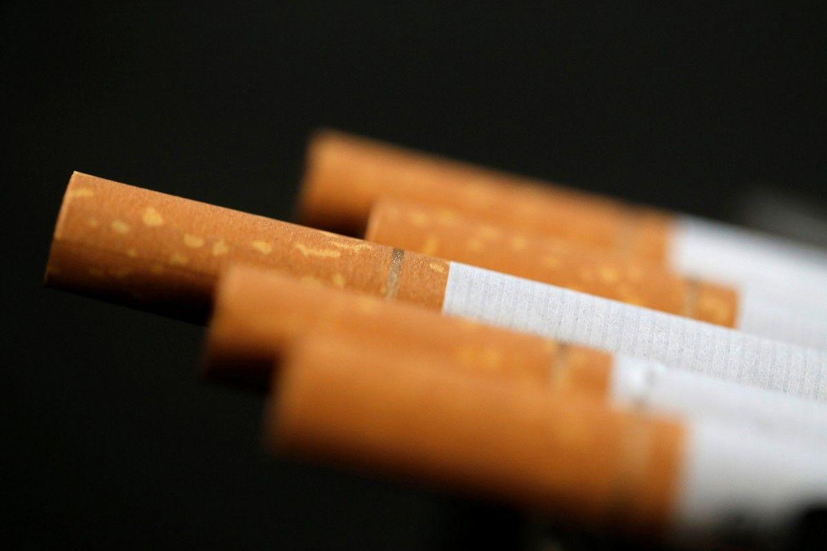 Две сигареты или две пачки в день: ученые выяснили, что более вредно